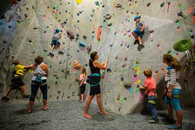 climbing-kids